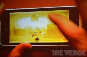 Една од сликите од најавувањето на Firefox OS (превземено од http://live.theverge.com/firefox-os-mwc-2013-live-blog/ )